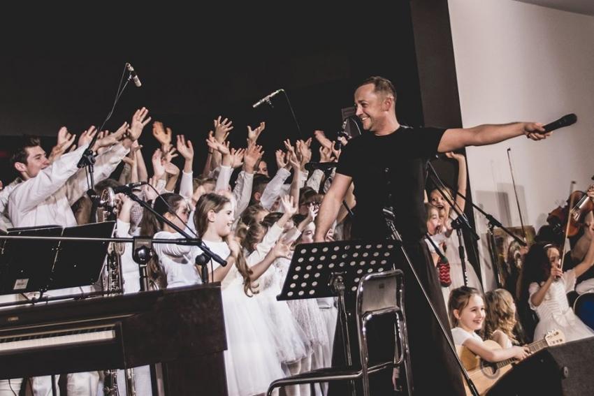 Czesław Mozil i Grajkowie Przyszłości zagrali w Stegnie.